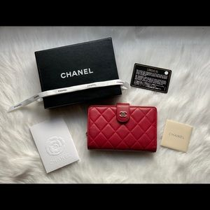 CHANEL Lambskin Quilted Wallet